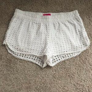 💐 Lilly Pulitzer Eyelet Shorts- Size M